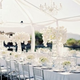 White-Tablescape-Tent-lane-dittoe