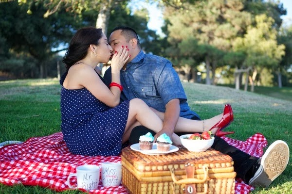 Picnic+Themed+Engagement+Session+1