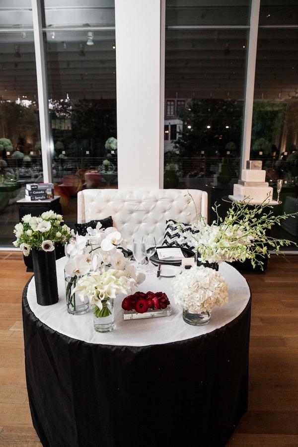 Modern Black and White Museum Wedding 114