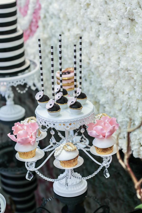 Minnie-Mouse-takes-Paris-Birthday-Party-by-Kesha-Lambert-30.JPG