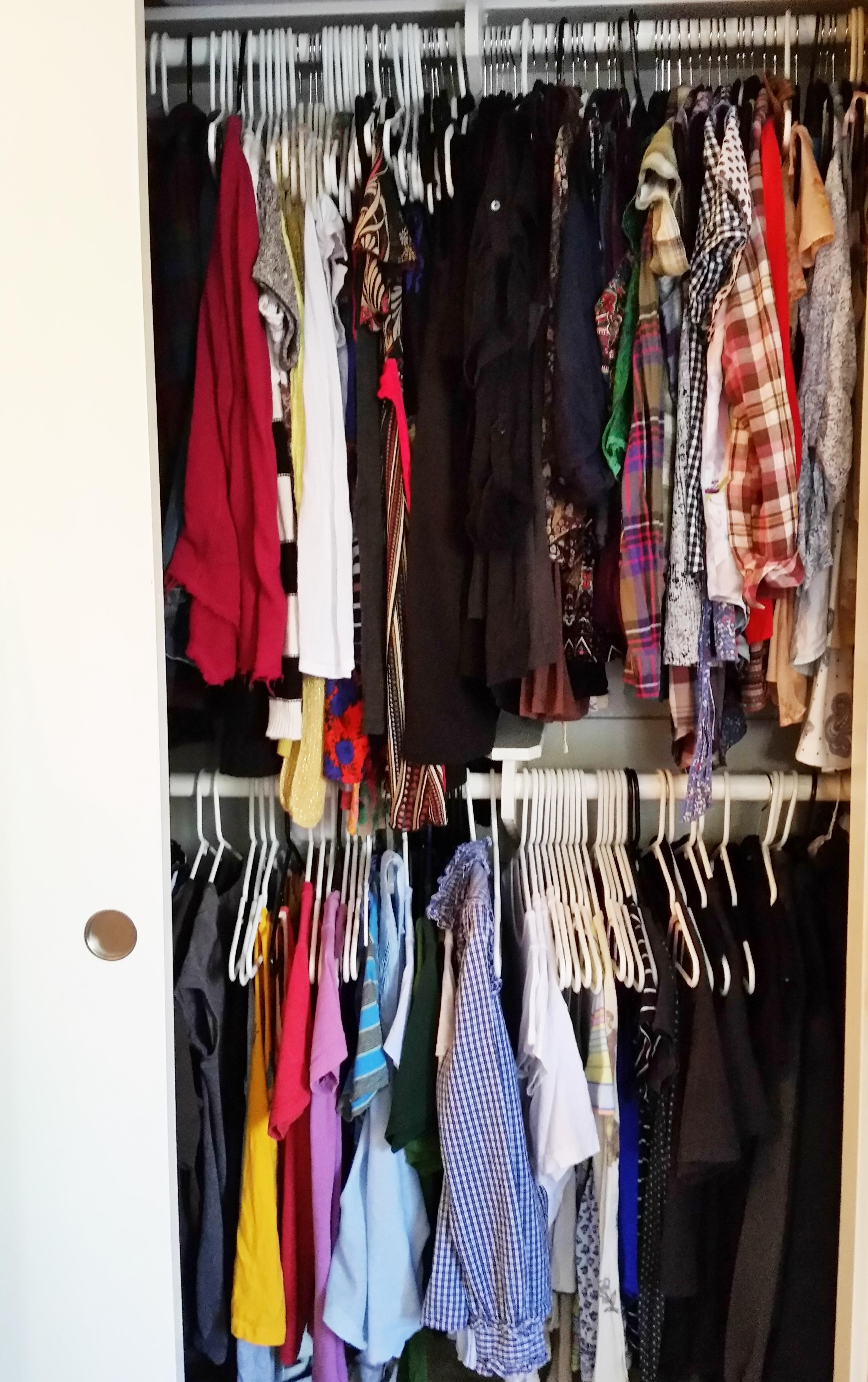 Tackling a full closet can be a challenge, but planning and focus will help organize in an hour!