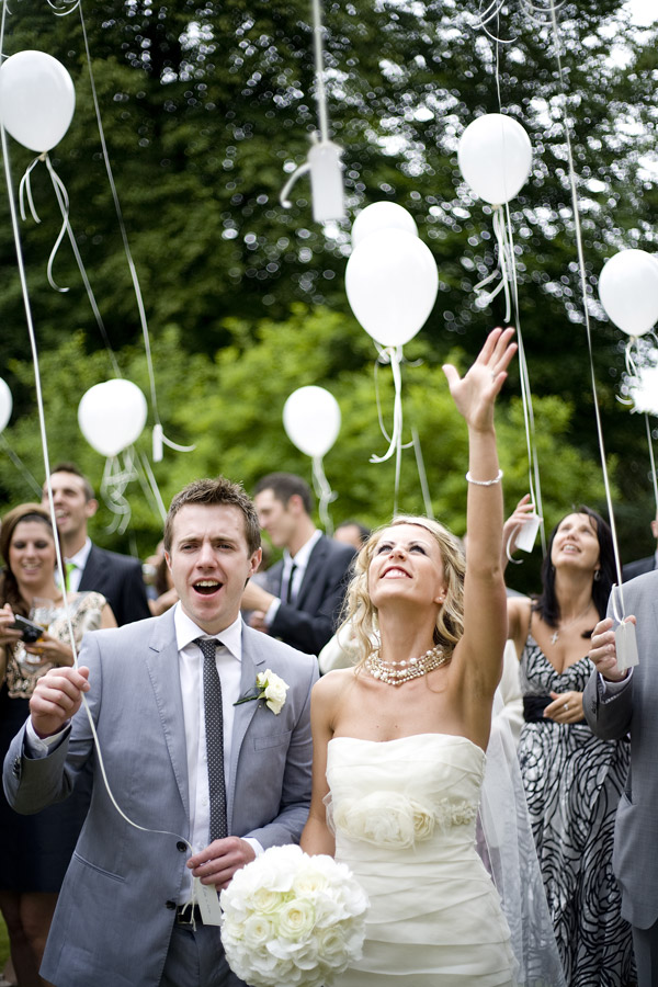 Ways to honor a deceased loved one at your wedding