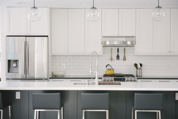 Clean White Kitchen Renovation Captured by Allie Siarto Photography (23)