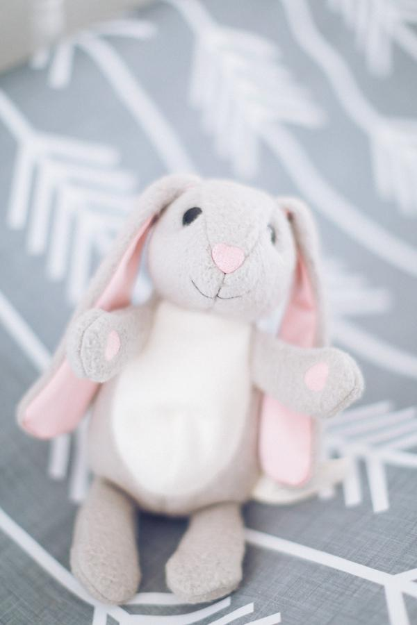 __Hunter_Ryan_Photo_greywhitevintagemodernbunnynursery7382_low