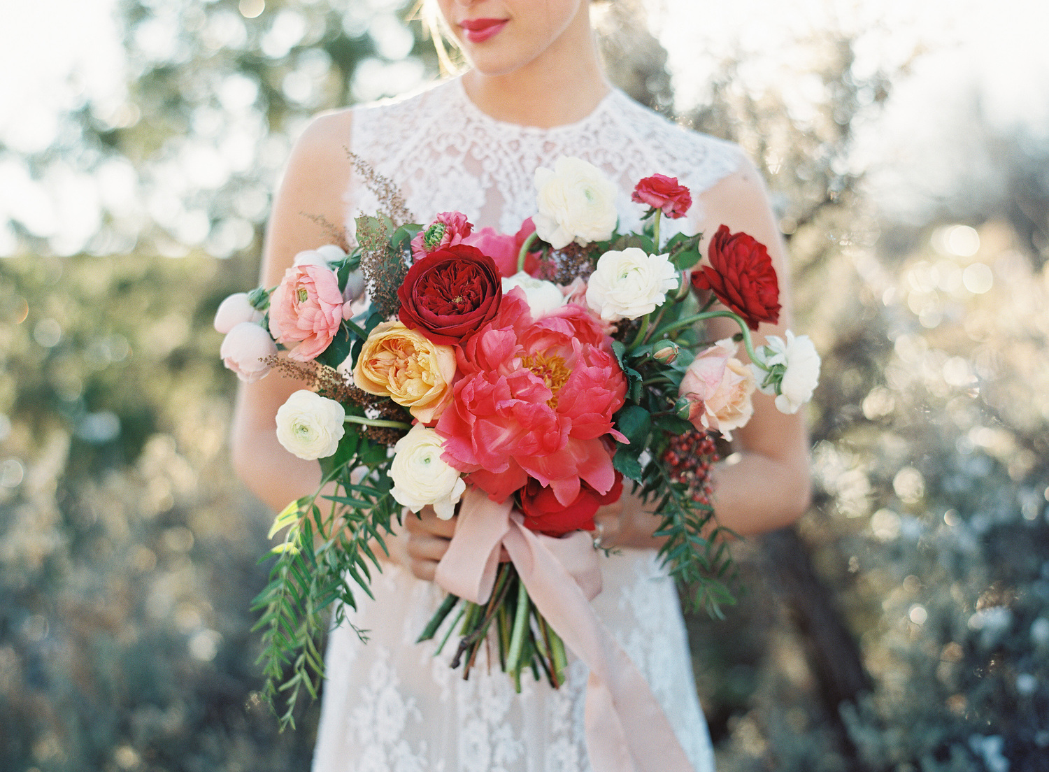 Amazing wedding bouquets_Michelle lywood Florals _ Heather Hawkins Photography