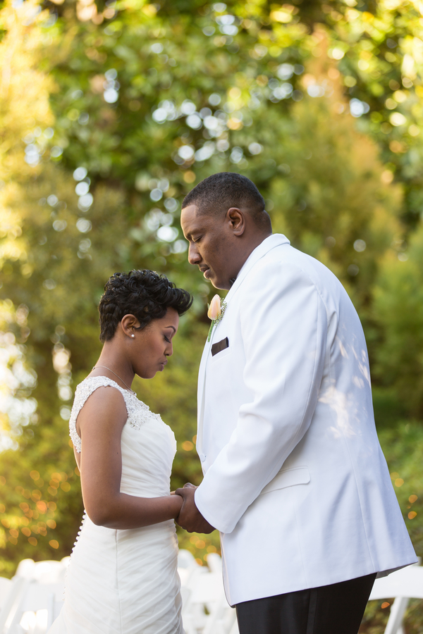 Intimate courtyard wedding by elle danielle photography 30