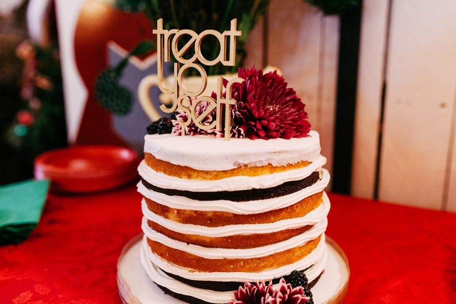 cool wedding cake toppers