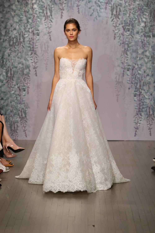 Monique Lhuillier Fall 2016 Bridal - Look 12