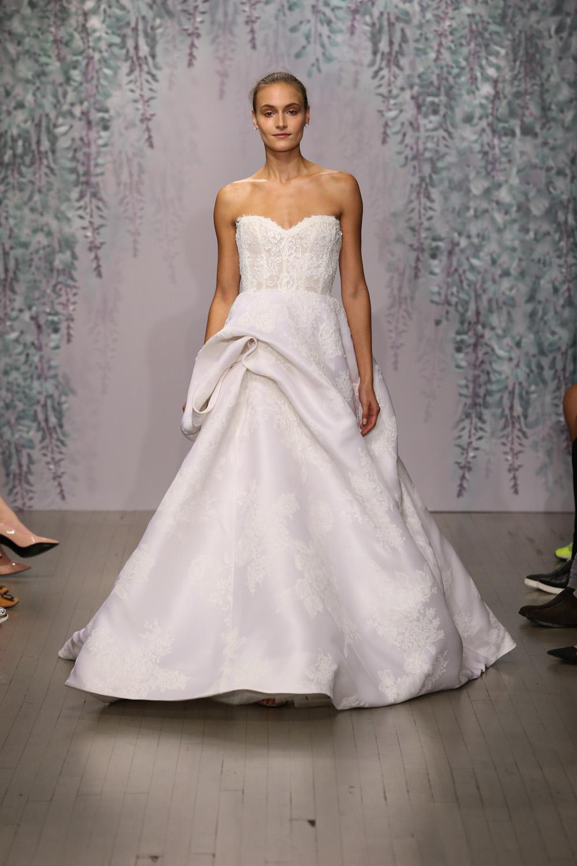 Monique Lhuillier Fall 2016 Bridal - Look 13