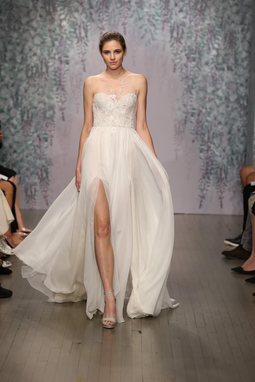 Monique Lhuillier Fall 2016 Bridal - Look 2