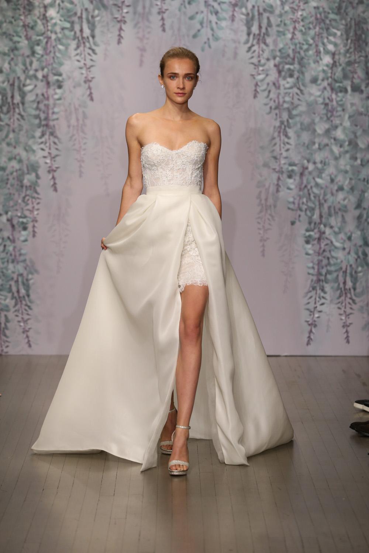 Monique Lhuillier Fall 2016 Bridal - Look 3