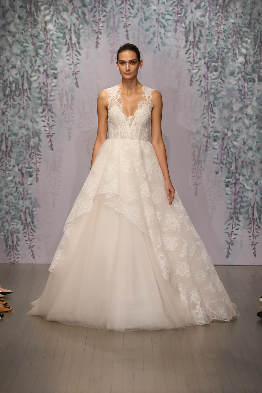 Monique Lhuillier Fall 2016 Bridal - Look 4
