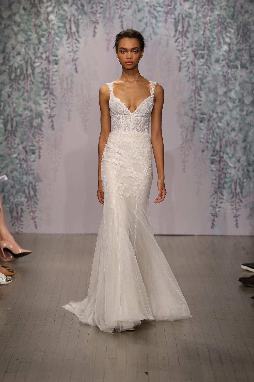 Monique Lhuillier Fall 2016 Bridal - Look 8