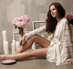 Short Silk Bridal Robe with Lace Sleeves