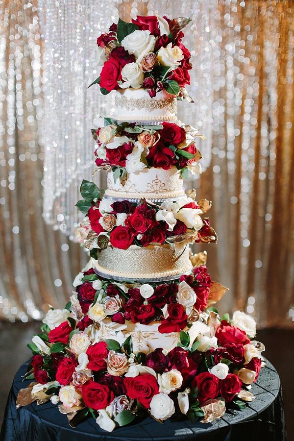 new years eve wedding inspiration- amazing cake- tidewater and tulle