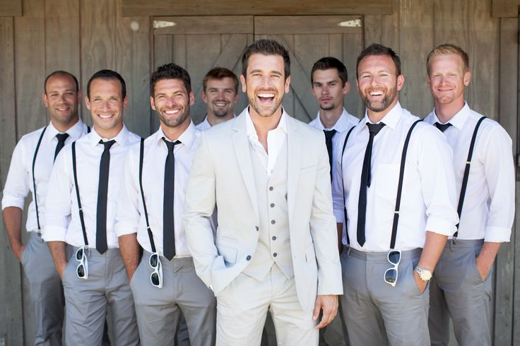 Perfect Groom and Groomsmen Shot