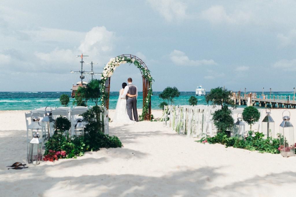 dreamy punta cana beach wedding- huracan cafe- asia pimentel11