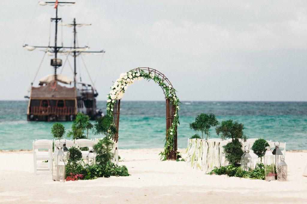 dreamy punta cana beach wedding- huracan cafe- asia pimentel8