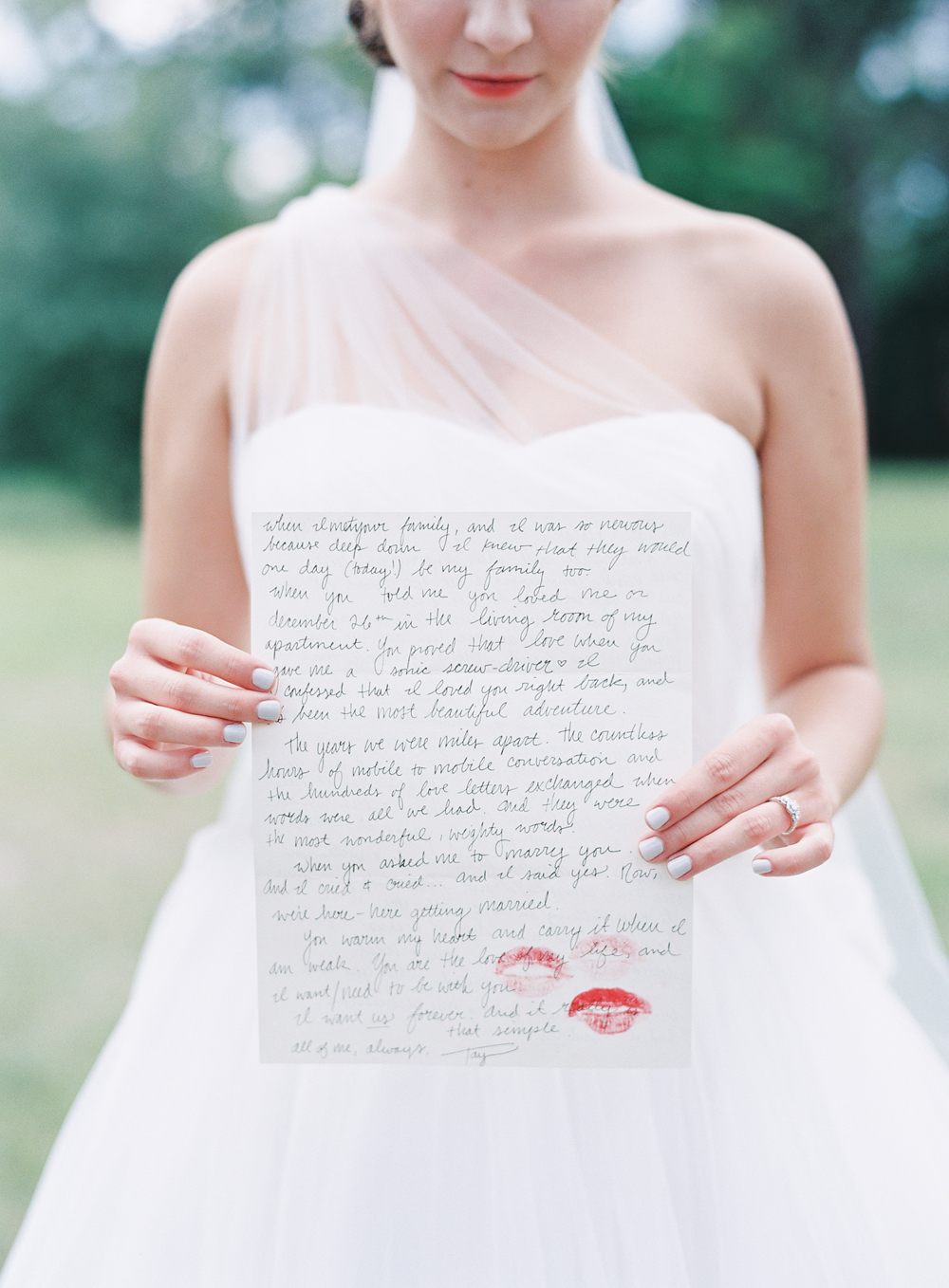 Navy and book themed wedding / photo by melaniegabrielle.com