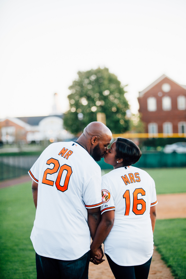 baseball themed engagement shoot by hannah lane photography