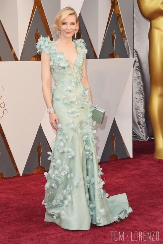 Cate-Blanchett-Oscars-2016-Red-Carpet-Fashion-Armani-Prive-Tom-Lorenzo-Site-TLO-4