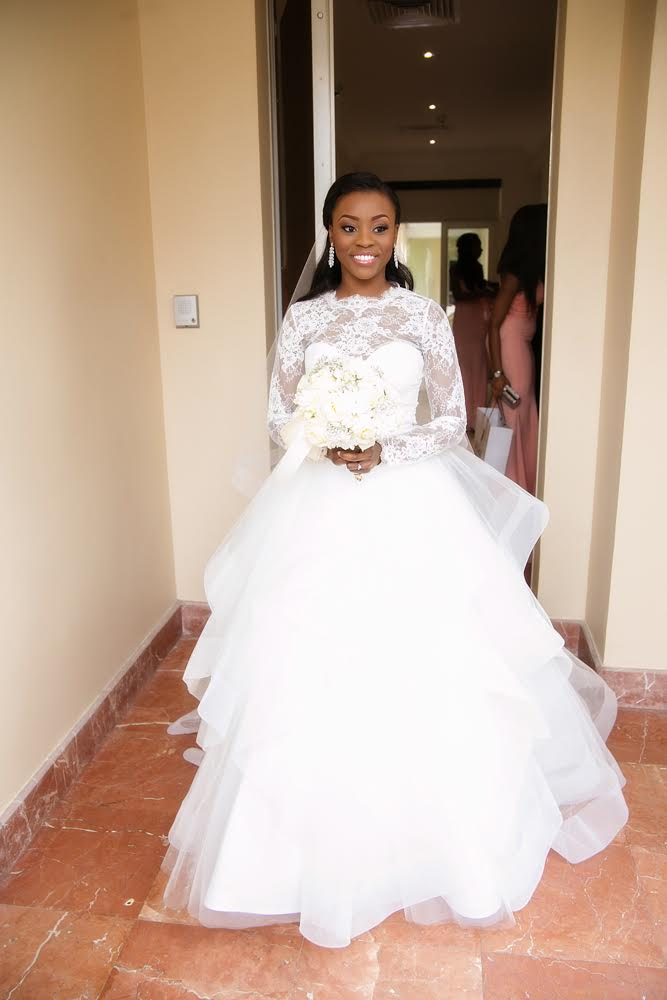 long sleeved weddomg dress