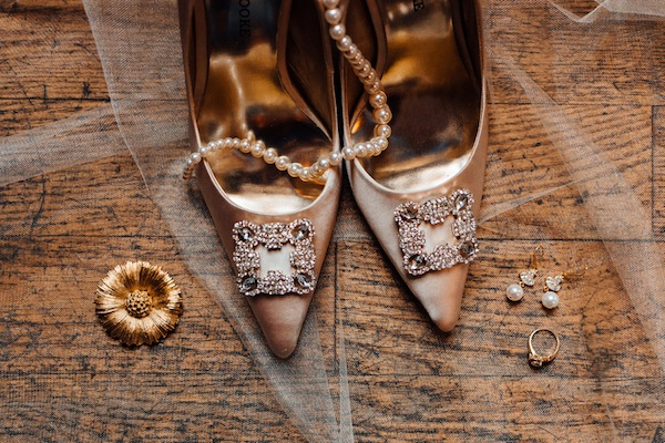 black and gold styled shoot-2