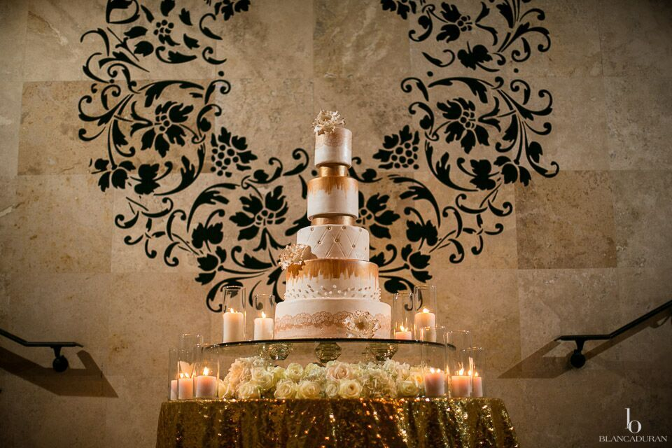 Glamorous Bell Tower on 34th Wedding_ TheKikAsWedding_44