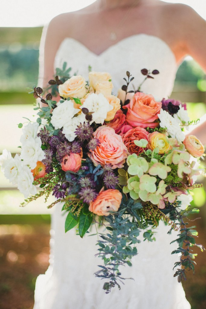 fall-wedding-bouquet_-juniper-design_annaleemedia