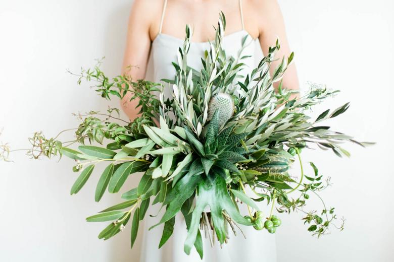 fall-wedding-bouquets-greenery