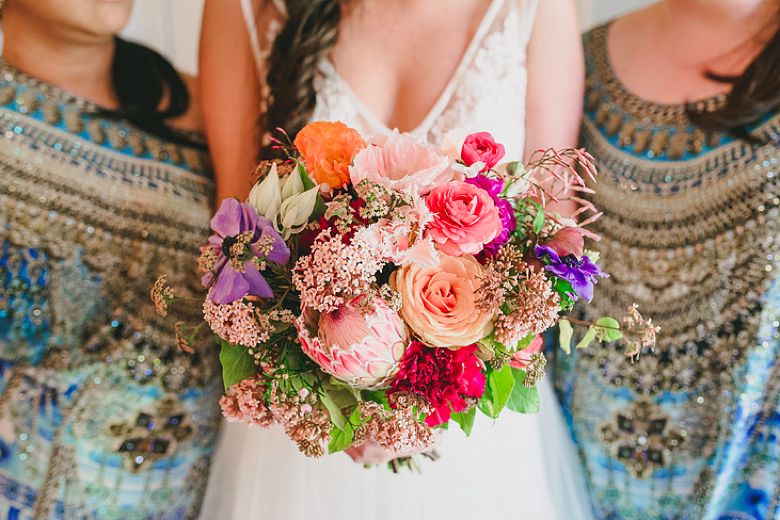 fall-wedding-bouquets_bright-colors-and-warm-tones