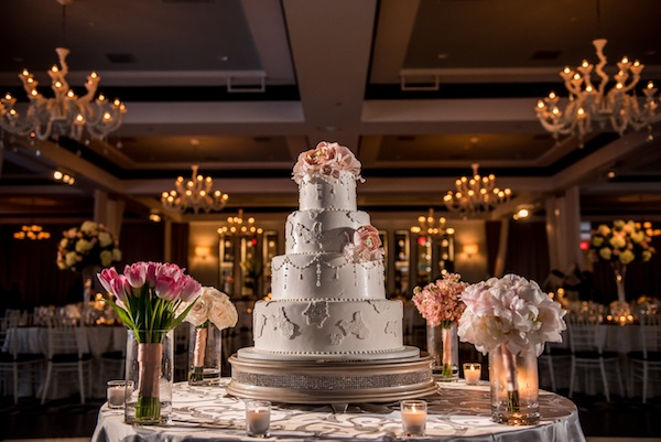 glamourous-fusion-wedding-cake