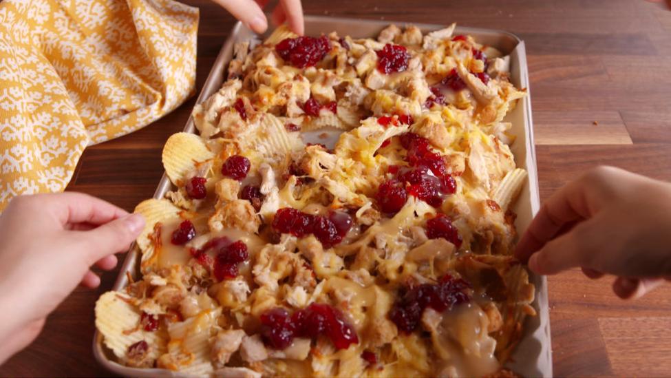 15-friendsgiving-nachos
