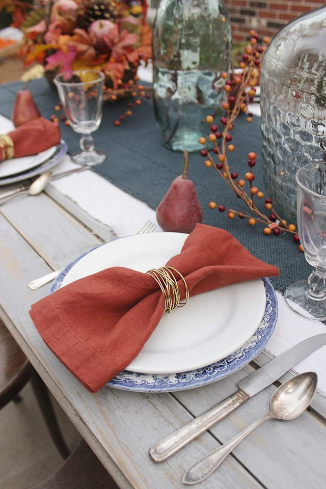 diy-gold-wire-napkin-rings_-thanksgiving