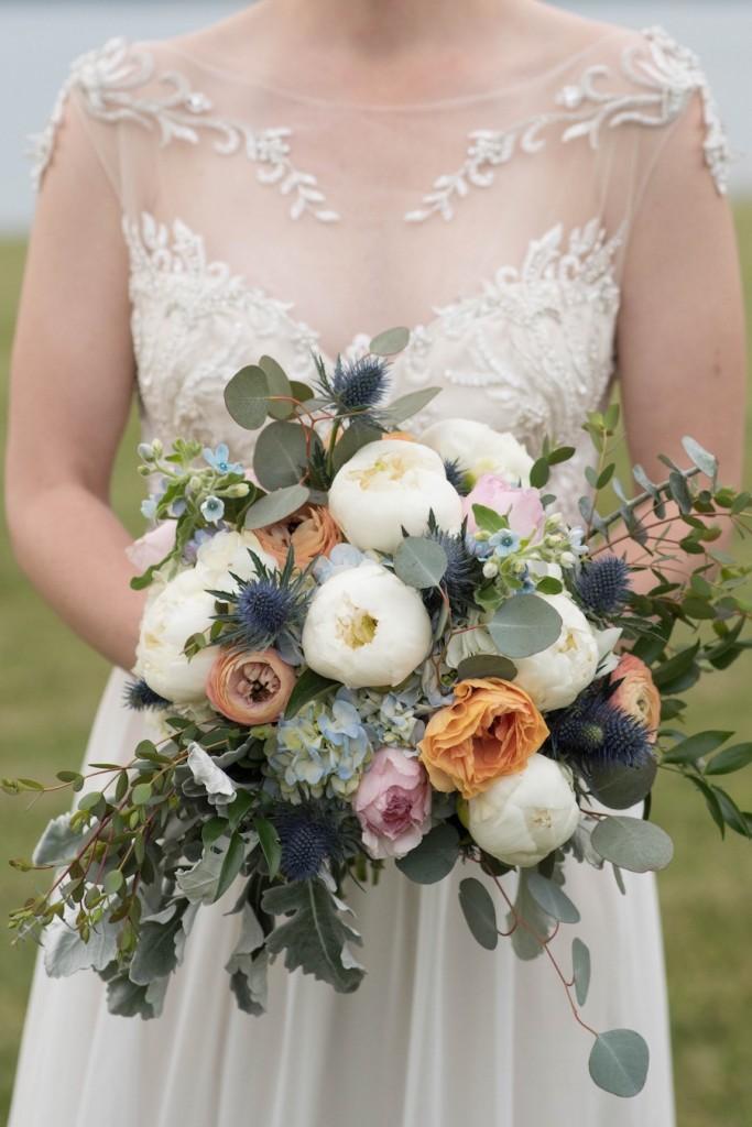 lush-fall-wedding-bouquet