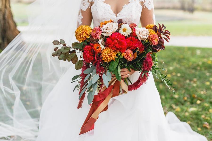 fall-wedding-bouquet-designs-by-oochay-_-bartlett-pair-photography