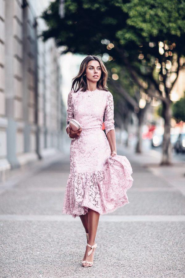 db5395c43b9 15  PrettyPerfect Summer Wedding Guest Outfit Ideas - Perfete