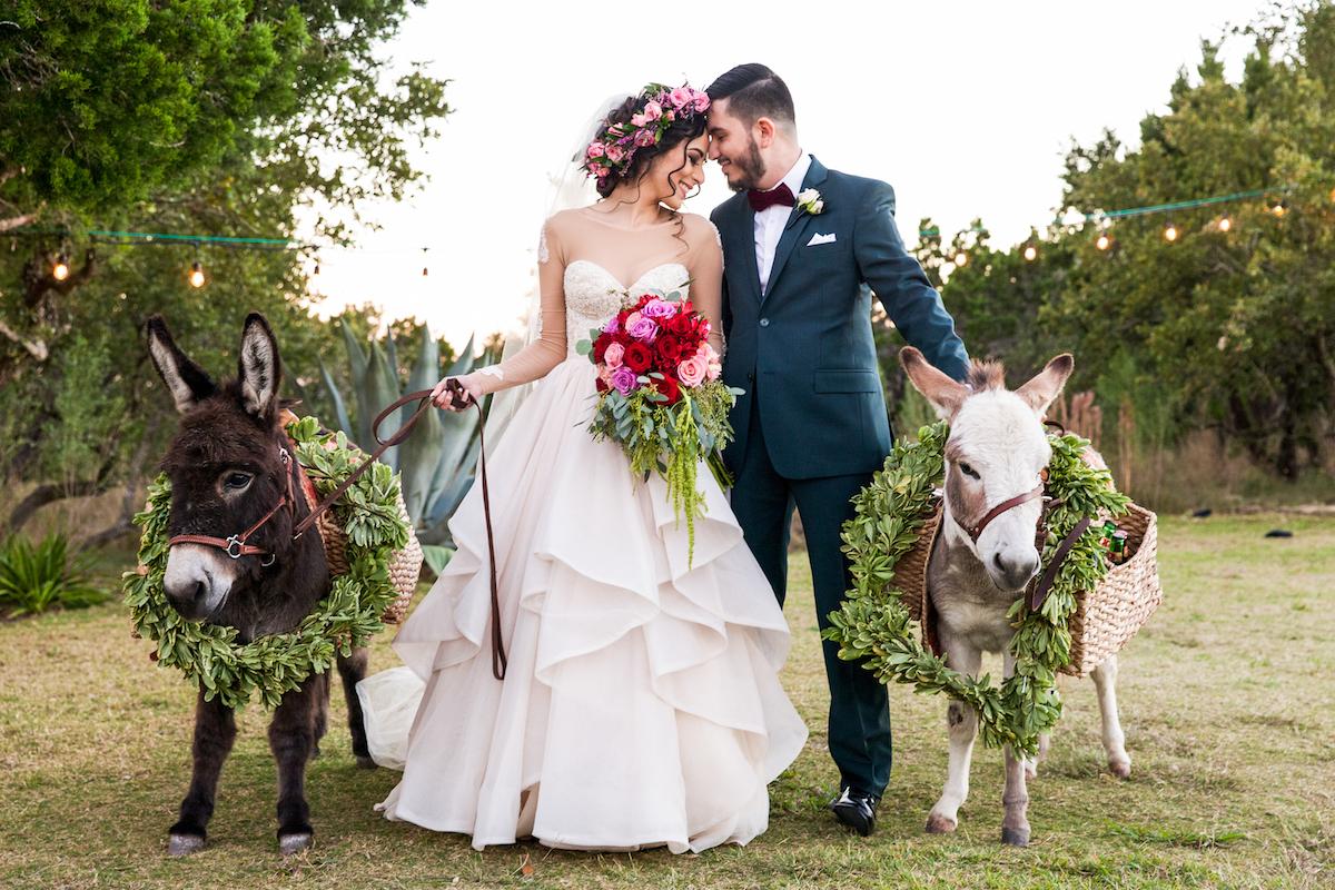 Gorgeous Outdoor Fall Wedding In Austin Texas Perfete