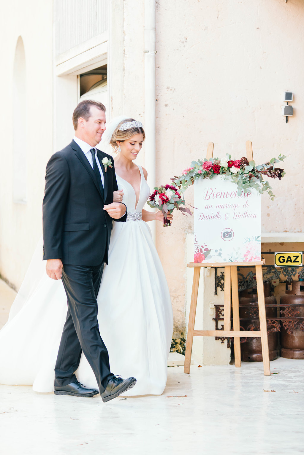 dc0d77c22540 A Fairy Tale Chateau Wedding in Bordeaux