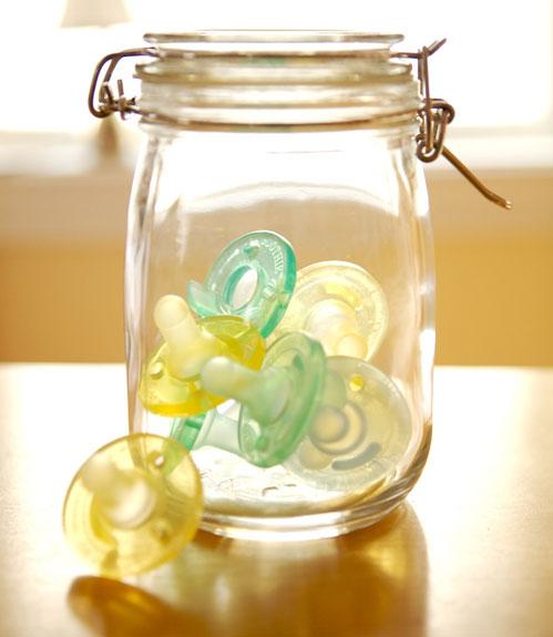 pacifier storage jar