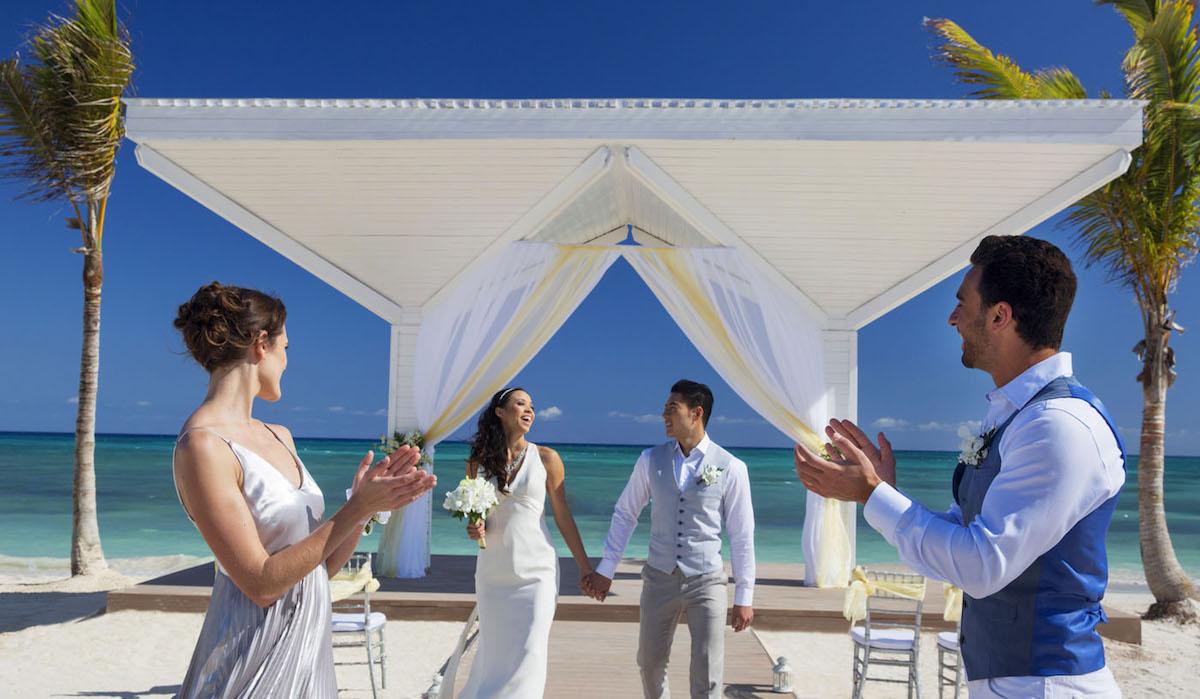 Dream Destination Wedding Giveaway by Destify