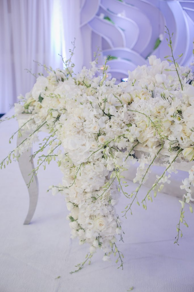 white cascading wedding centerpiece