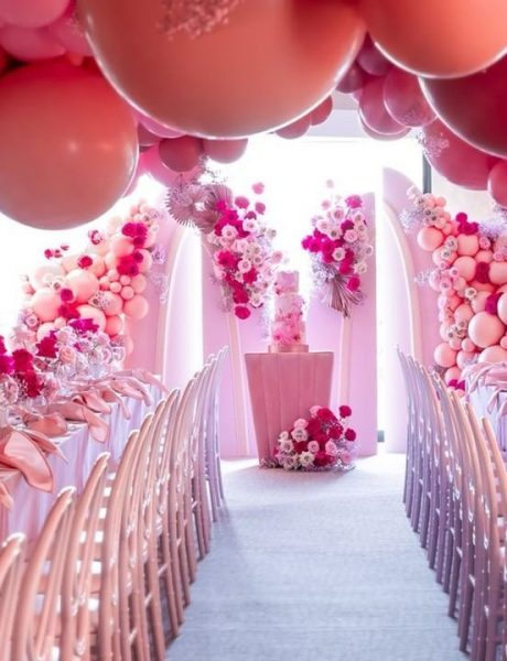 Balloon wedding decor wedding trend
