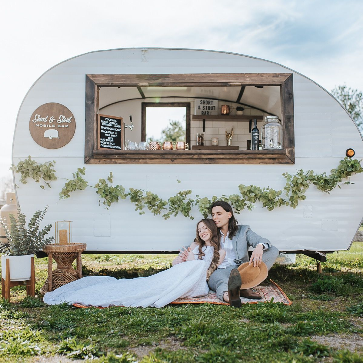 vintage mobile bar camper; one requirement for a meaningful wedding reception