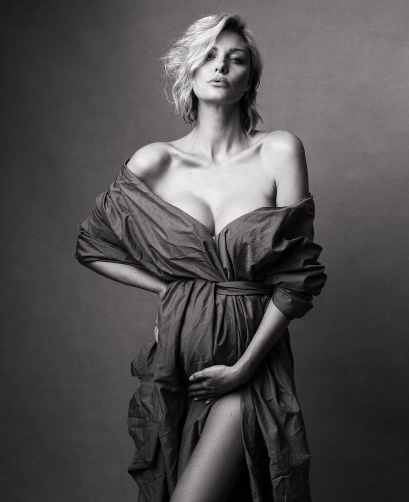 Vogue style maternity shoot