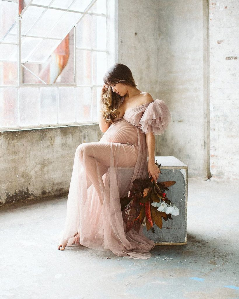 fine art maternity photo by elkin cardona
